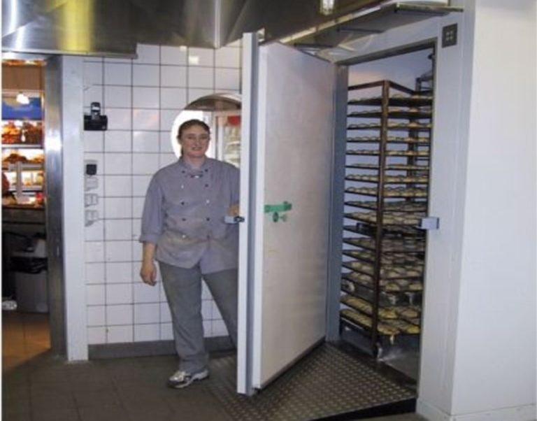 Ansat-foran-Celltherm-fryserum